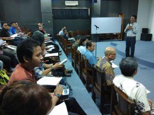 Dekan FSMR ISI Yogyakarta memberikan sambutan